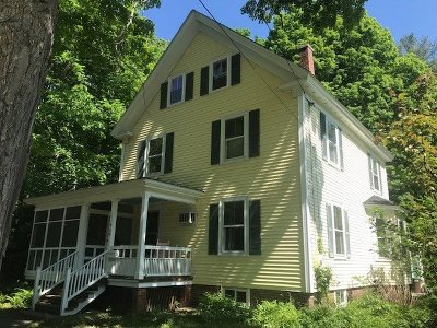 Portsmouth Single Family Home For Sale: 710 Middle Road