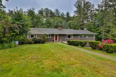 Derry Single Family Home Active Under Contract: 2.5 Hoodkroft Drive