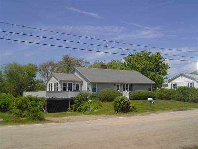 Single Family Home For Sale: 55 Old Beach Road Road