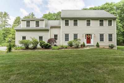 Strafford County Single Family Home For Sale: 138 Durham Point Road