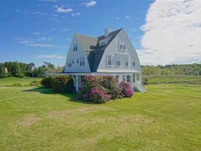 North Hampton Single Family Home For Sale: 88 Ocean Boulevard