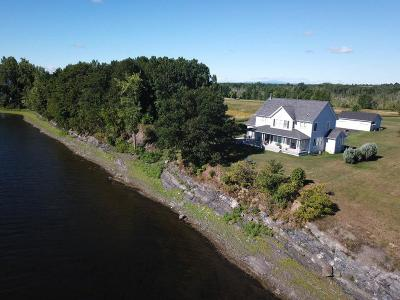 Alburgh Single Family Home For Sale: 34 Wagner Point