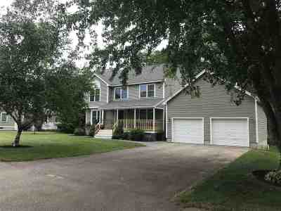 Dover Single Family Home For Sale: 14 Pondview Drive