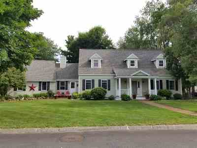 Concord Single Family Home For Sale: 3 Foxcross Circle