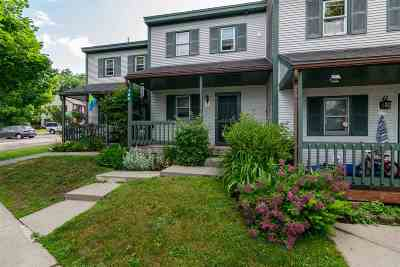 Hinesburg Condo/Townhouse For Sale: 160 Lyman Meadow #E5