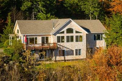 Strafford County Single Family Home For Sale: 334 Merrymeeting Road