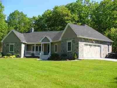 Merrimack County Single Family Home For Sale: 370 Webster Lake Road