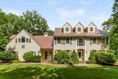 Bedford Single Family Home For Sale: 14 Whitney Court