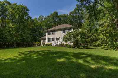 Exeter Single Family Home Active Under Contract: 165 Brentwood Road