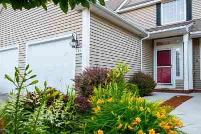 Bedford Condo/Townhouse Active Under Contract: 6 Rose Lane