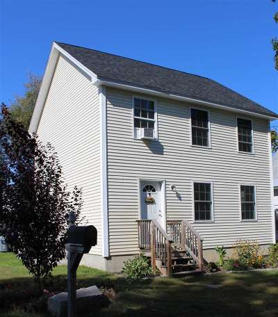 Concord Single Family Home For Sale: 20 Coral Street
