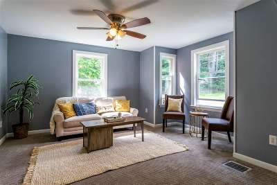 Bedford Single Family Home For Sale: 7 Curtis Court