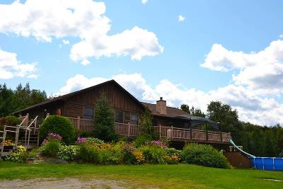 Wolcott Single Family Home For Sale: 67 Overlook Hill Road