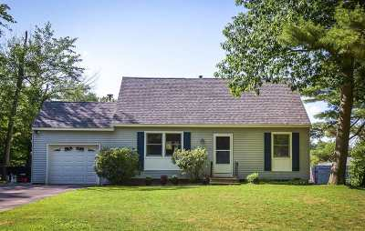Merrimack Single Family Home For Sale: 3 Wallace Drive