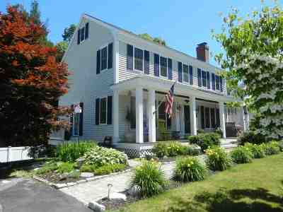 Seabrook Single Family Home For Sale: 20 Greenleaf Drive