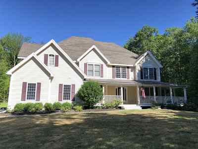 Strafford County Single Family Home For Sale: 28 Stone Farm Drive