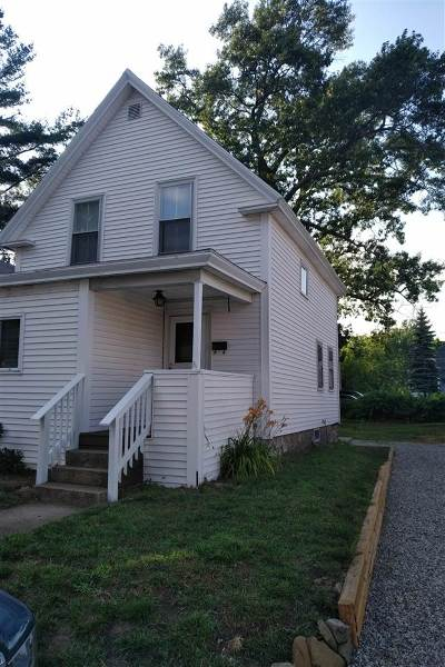 Derry Single Family Home For Sale: 12 Laurel Street