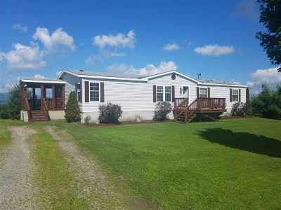 Orleans County Single Family Home For Sale: 2298 East Hill Road