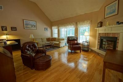 Raymond Single Family Home For Sale: 7 Eagle Hill Road