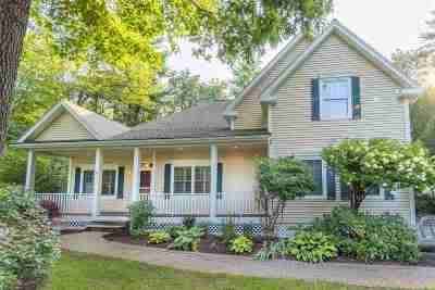 Exeter Single Family Home For Sale: 4 Moore Lane