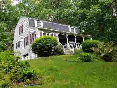 Derry Single Family Home For Sale: 12 Keats Drive