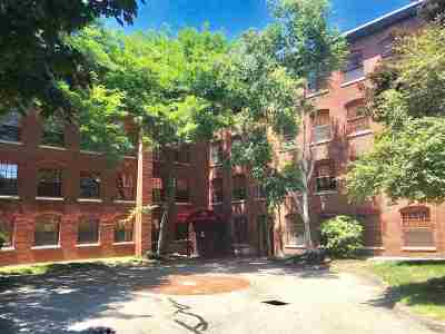 Manchester Condo/Townhouse Active Under Contract: 335 Cypress Street #2V