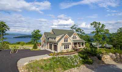 Laconia Single Family Home For Sale: 37 Lighthouse Cliffs Street