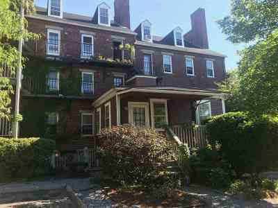 Manchester Condo/Townhouse For Sale: 139 West Merrimack Street #4