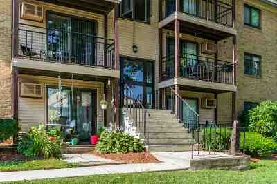 Manchester Condo/Townhouse For Sale: 19 Country Club Drive #32