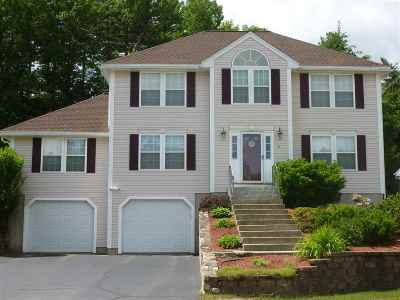 Merrimack Single Family Home For Sale: 15 Wintergreen Drive