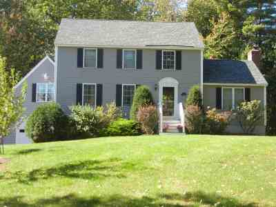 Derry Single Family Home For Sale: 3 Rain Pond Place