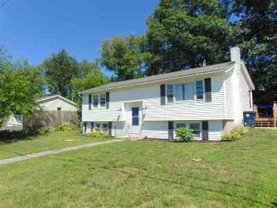 Nashua NH Single Family Home For Sale: $289,900