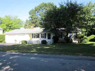 Hampton Single Family Home Active Under Contract: 3 Ward Lane Street