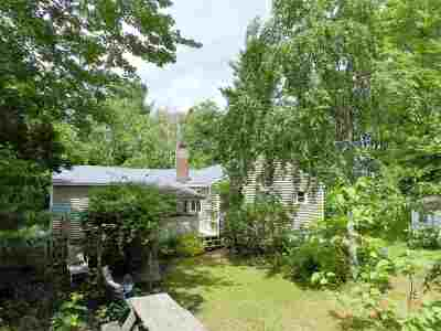 Londonderry Single Family Home Active Under Contract: 10 Beacon Street