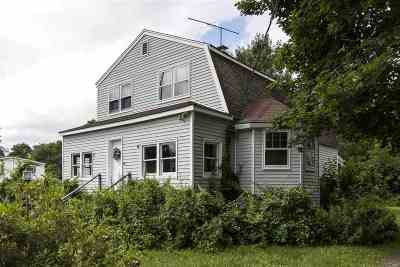 Seabrook Single Family Home For Sale: 61 & 61a South Main Street