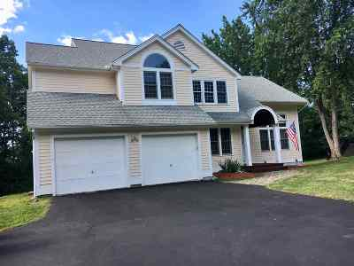 Nashua Single Family Home Active Under Contract: 7 Middle Dunstable Road