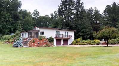 Hollis Single Family Home For Sale: 4 Oakwood Lane