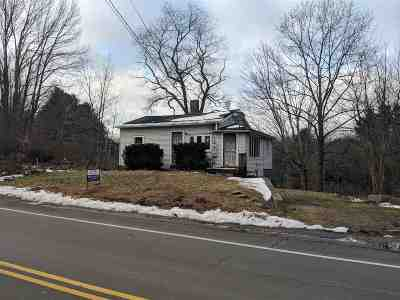 Rollinsford Single Family Home For Sale: 586 Silver Street