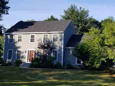 Portsmouth Single Family Home For Sale: 570 Ocean Road