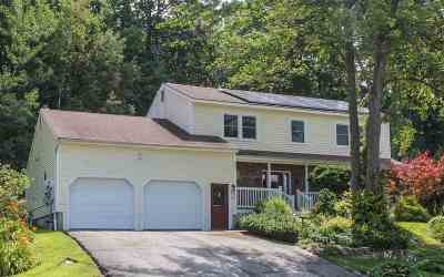 Essex Single Family Home For Sale: 4 Acorn Circle