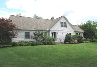 Henniker Single Family Home For Sale: 150 Maple Street