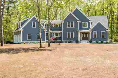 Stratham Single Family Home For Sale: 3 Barbaras Way