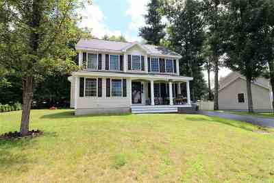 Concord Single Family Home For Sale: 62 Hampton Street