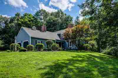 Bedford Single Family Home For Sale: 8 Canary Lane