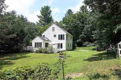 Lee Single Family Home For Sale: 397 Packers Falls Road
