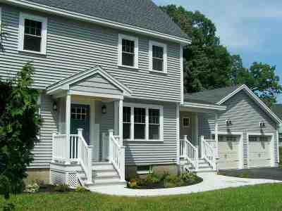 Seabrook Single Family Home For Sale: 65 Railroad Avenue
