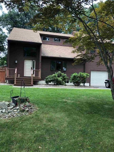 Salem Single Family Home For Sale: 15 Birch Hill Road