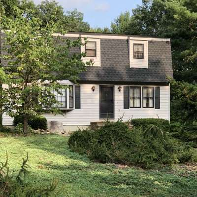 Hudson Single Family Home For Sale: 1 Stonewood Lane