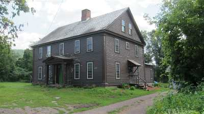 Poultney Single Family Home For Sale: 1016 East Main Street Street