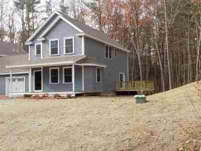 Amherst Single Family Home For Sale: 16 Deerwood Drive #B